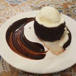 おいしいチョコレートケーキを食べに「Fudge Restaurant」へ!